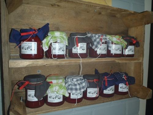 Aardbeienjam van onze eigen aardbeien!!(2,75)