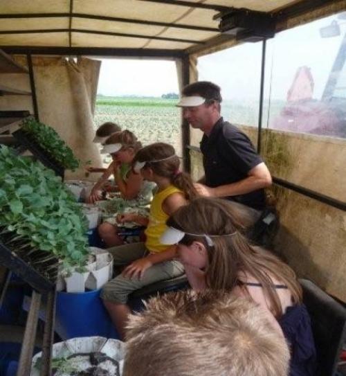 klas 5B van De Ruif/broccoli planten